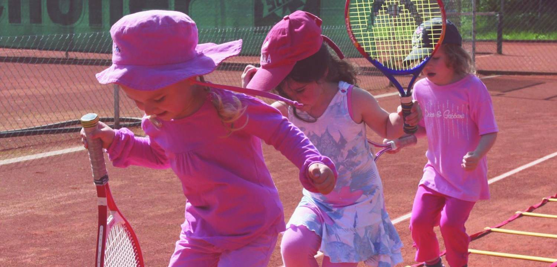 Kindergarten-Tennis_ret-tender